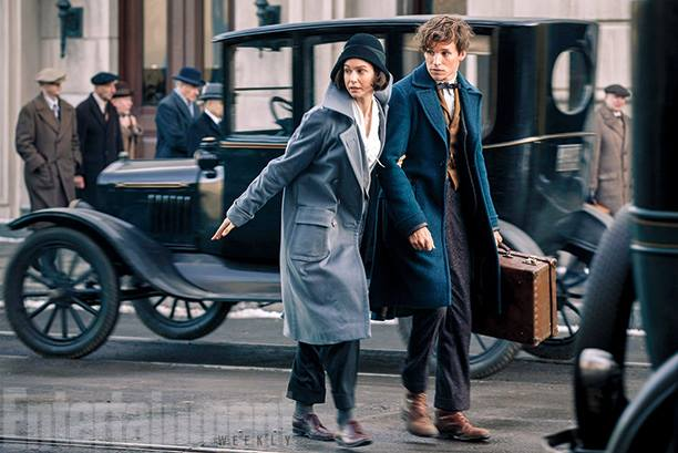 Newt Scamander (Eddie Redmayne) en Porpentina Goldstein (Katherine Waterston) ©Waner Bros